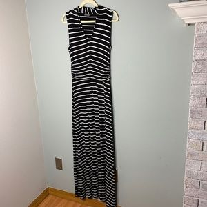 Vince Camuto Sleeveless Striped Maxi Dress
